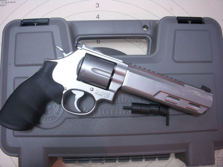 Smith&Wesson 627-5 Pro-Comp Revolver Features: Chrome Hammer Chrome Trigger with Trigger Stop Re
