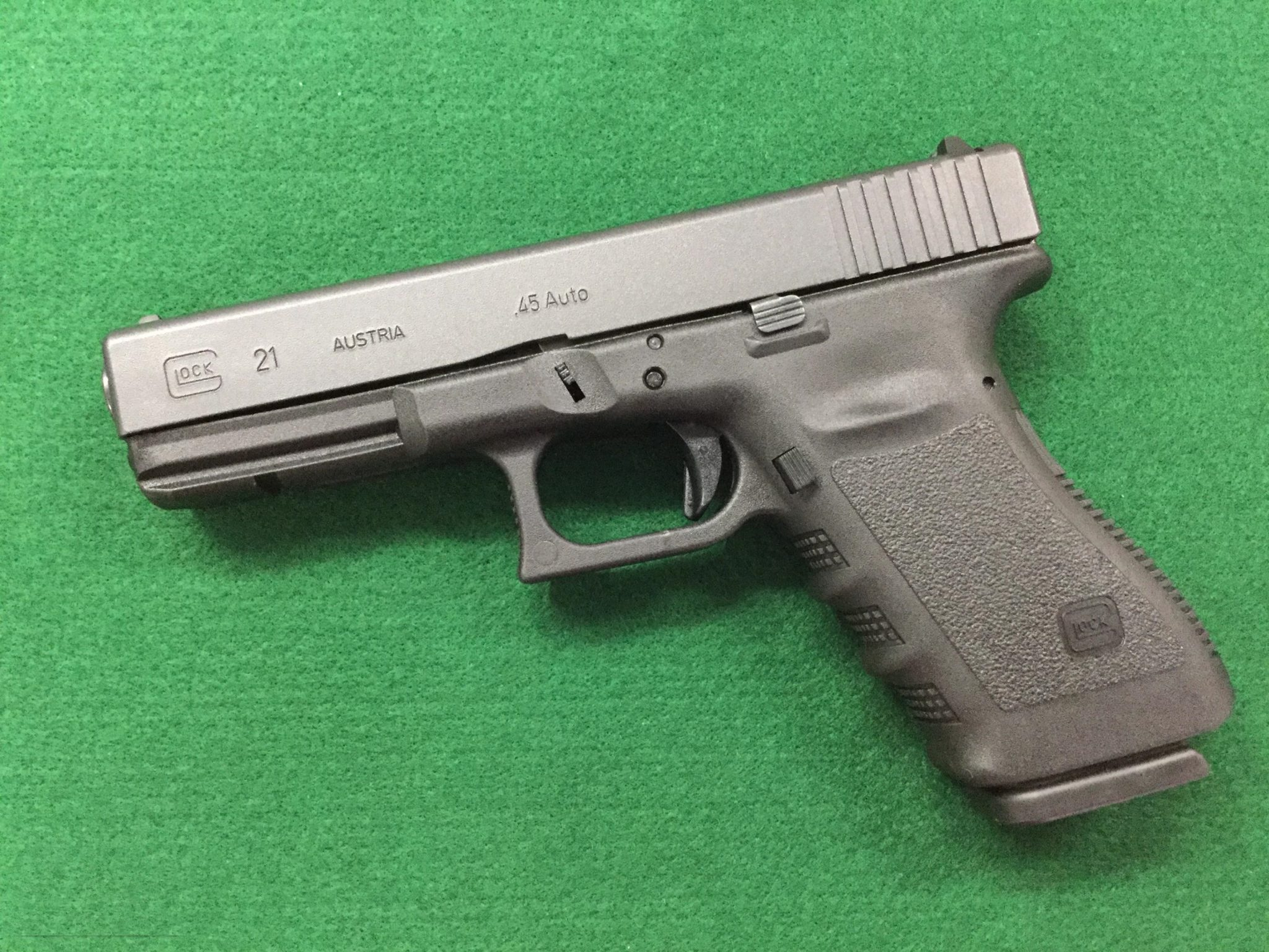 Hi these stunning Glock 21 45acp is up for sale. Interested in these gun or any other guns do send u