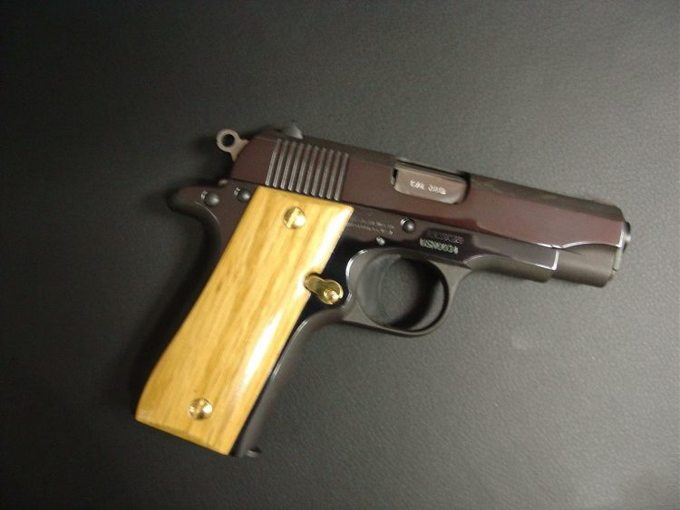 Come check it out in a good price and at a want away price ..has never used in firing in a good cond