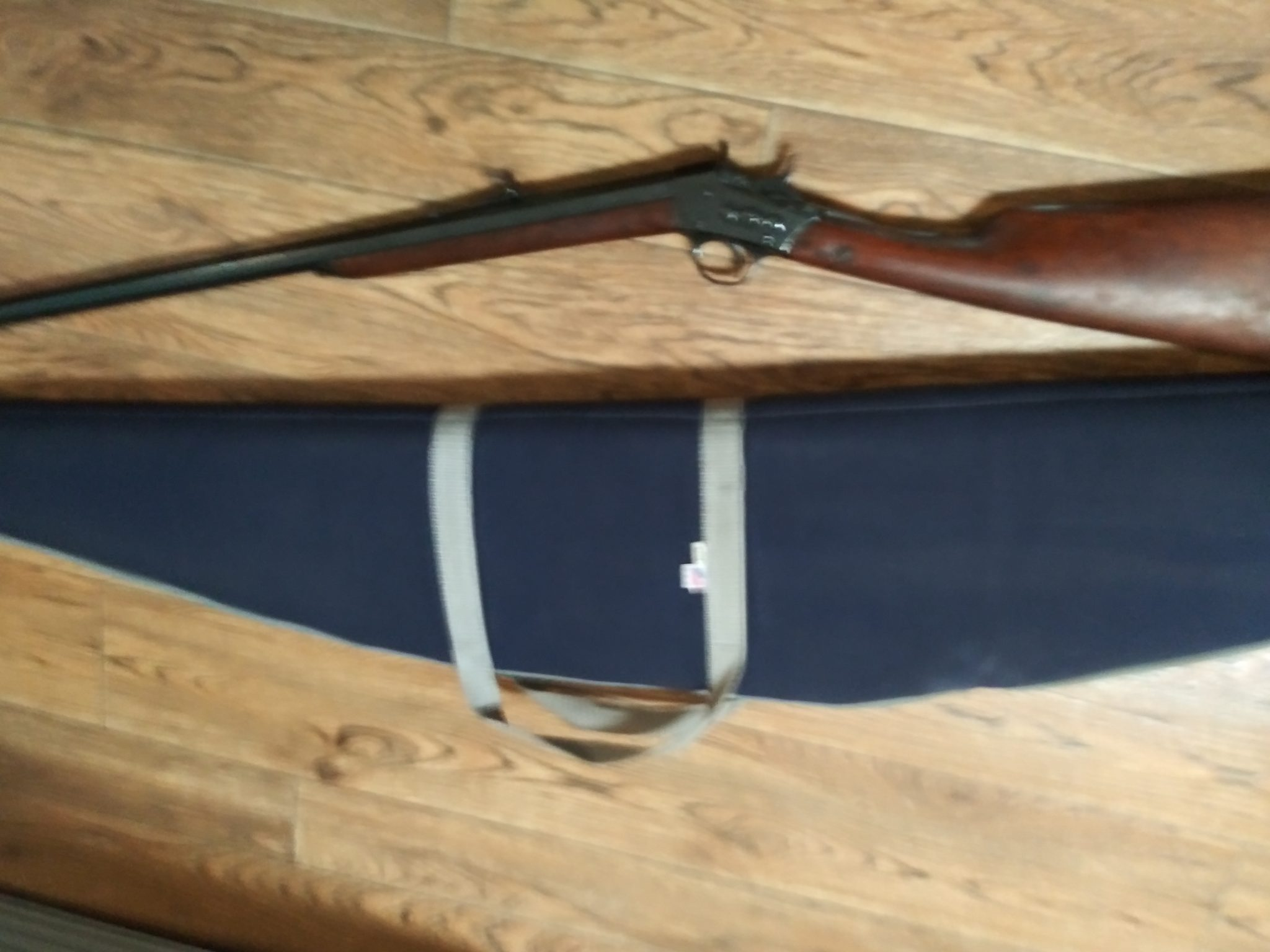 1873 Remington Rifle 32 cal. with case Serial 10293. Excellent Condition. Very few scratches. Been t