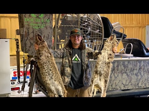 Texas Trap Line! How To Prepare your Hide for Tanning! {HUNT GIVEAWAY}